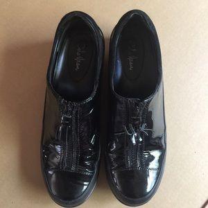 Cole Haan Waterproof Patent Leather Black (7.5B)